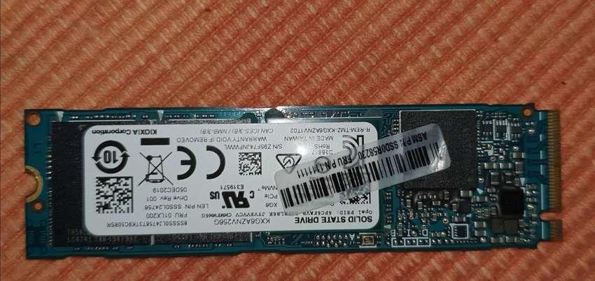 SSD Toshiba XG6 256GB 0