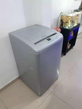 Se vende lavadora Electrolux de 18 libras