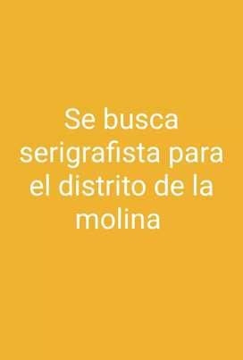 Se requiere de un serigrafista con buena experiencia para el distrito de la Molina