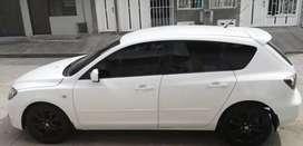 Vendo Mazda 3 modelo 2007 estado 9 de 10  matrícula de buga full equipo impuestos al día soat y tecnomecanico nuevos