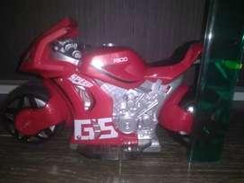 Moto a batería . Control remoto exelente moto system