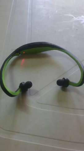 Vendo auricular inalambrico no tiene bluetooth... sin cargador