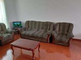 Se vende sofá súper economico