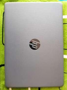 Laptop HP, poco uso, como nuevo