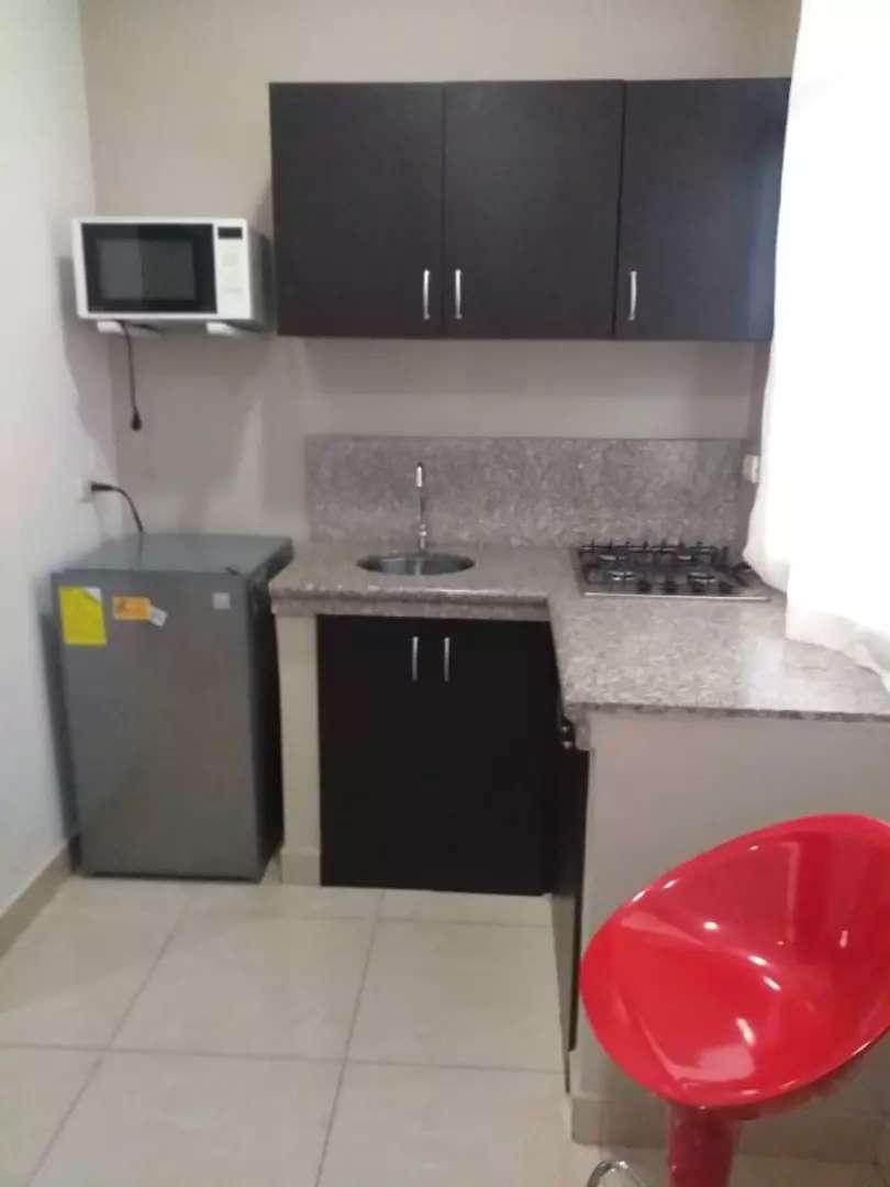 Suite Amoblada en Alquiler en Los Ceibos, Norte de Guayaquil, Parqueo, Piscina.