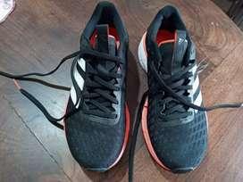 Zapatillas usada en muy buen estado, Adidas originales modelo SL20, talle 37.5