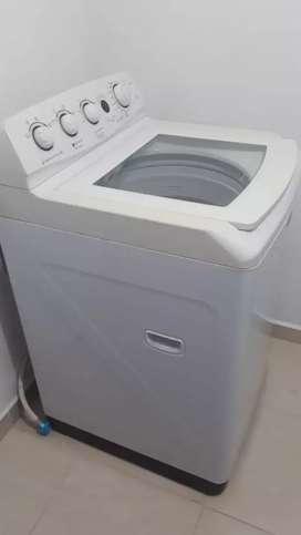Vendo lavadora haceb en exelente estado