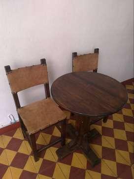 Mesas y sillas para cafeteria o bar