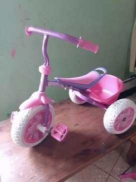 Vendo Triciclo princesas