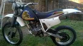 Vendo moto xr 200 modelo 1998