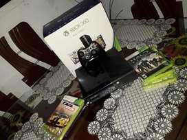 Vendo Xbox 360 súper slim muy buen estado