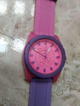Vendo lindo reloj deportivo marca diesel