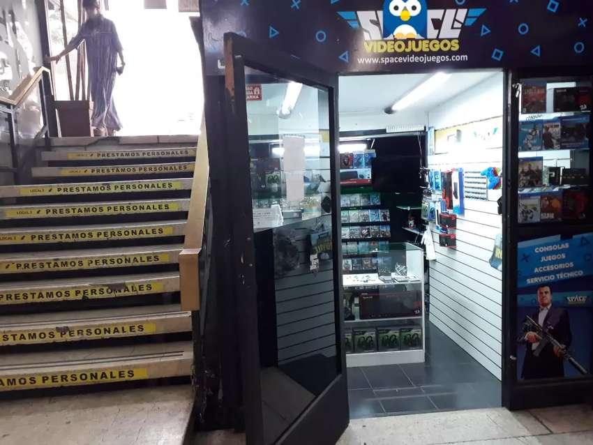 Vendo o Alquilo Local Comercial con depósito .Av Gral. Paz 70 local 21 0