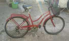 Vendo bicicleta de paseo mujer rodado 26 impecable