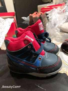 Zapatillas Bobble Gummmers para niño tipo Botín con luces