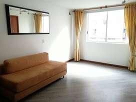 Arriendo habitacion con baño privado y amplio armario, barrio mazuren, casa compartida de 5 pisos