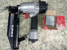 Puntilladora neumática Porter cable calibre 16