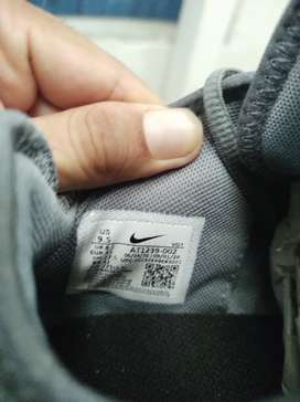 Zapatos Nike color gris