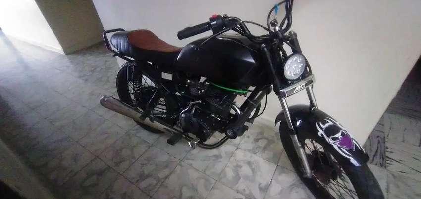 Vendo moto AKT NKD125