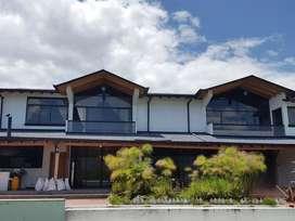 Casa de Lujo de Alquiler, San Rafael, piscina