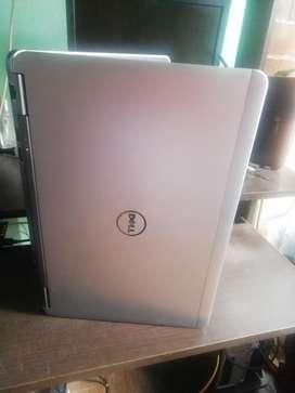 Dell Core 7 de 4 Gen 240 en Sólido