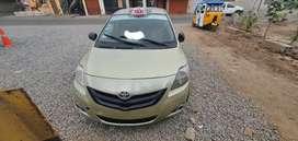 Toyota yaris listo para taxear permisos al dia