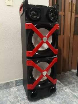 Torre SONIDO BLUETOOTH c batería GIGANTE!