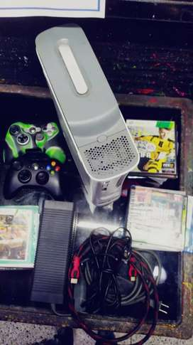 280.000  Xbox 360 chip 3.0   sus 2 controles originales