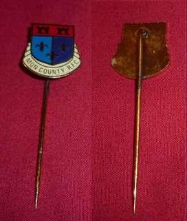 ANTIGUO PIN DISTINTIVO MONMOUTHSHIRE COUNTY RUGBY CLUB DE GALES 1980s FORMATO ALFILER