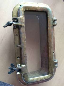 Ventolera náutica rectangular de bronce