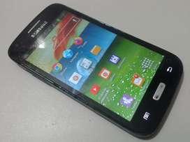 Samsung Core 1 para Claro anda bien. pantalla astillada