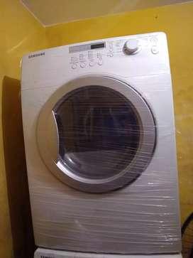 Vendo secadora Samsung  excelente estado