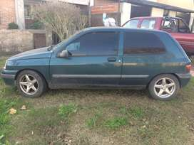 Vendo Renault Clio 1999 - 3 ptas