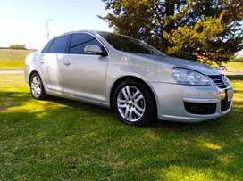 Volkswagen Vento 2.5 Luxury 2010