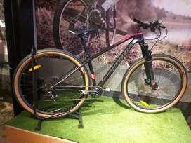 Bicicleta twitter en carbono rin 29 tenedor en aire, grupo sram