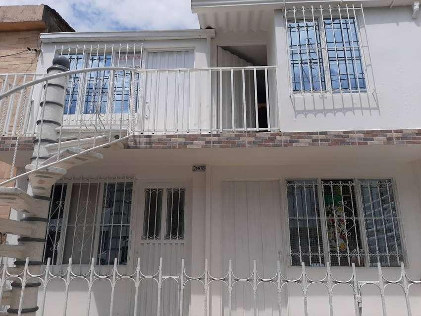 Amplio Apartamento de 2 habitaciones, studio, salacomedor, cocina, 1 baño, zona de ropas Alquiler 600.000  mas servicios 0