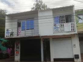 Vendo Casa  Bn Ubicada 2 Locales