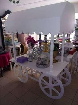 Alquilamos mesas para dulces y fiestas