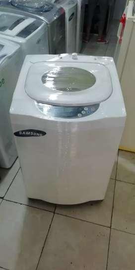 Lavadora 28 libras samsung, buen funcionamiento