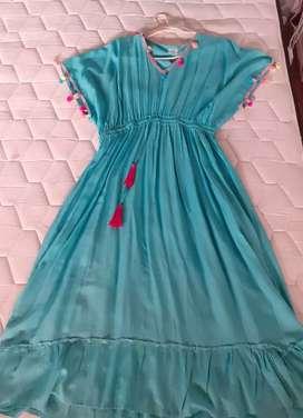 Vendo vestido largo fresco 1 solo uso talle L/XL