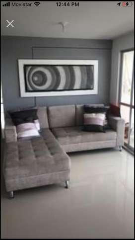 Sala sofa L y cuadro