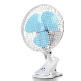 """Ventilador Giratorio 9"""" Portatil Blanco Con Azul HJ-180"""