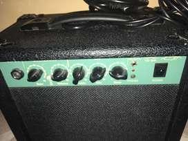 Vendo amplificador de guitarra marca stagg 13 watts de potencia