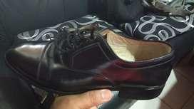 Remato zapato de vestir todo cuero usado impecable