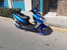 venta de scooter año 2009 semi nueva