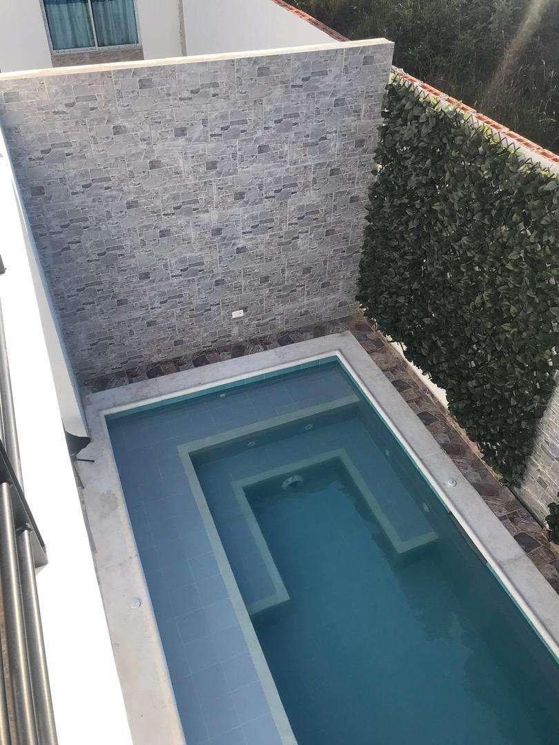 Casa con piscina privada 0