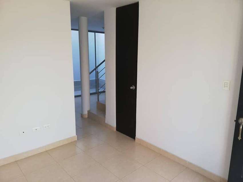 Casa de 2 pisos en Conjunto Cerrado Villa Cecilia, Anillo Vial Oriental 0