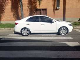 Kia Cerato Forte Version Full