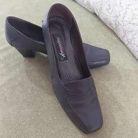 Zapato para trabajo (cuero)