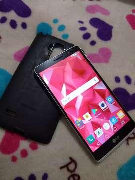 Vendo LG G4 Stylus pequeño detalle no afecta en nada